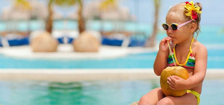 Holidays with a young child: advice of parents-travelers